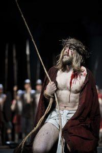 Szene Passionsspiele: Ecce homo Pontius Pilatus stellt Jesus von Nazaret vor