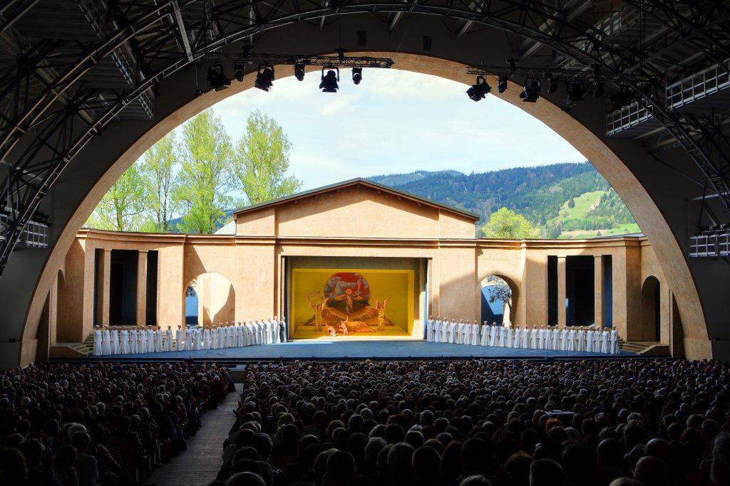 Passionstheater Chor Bühne